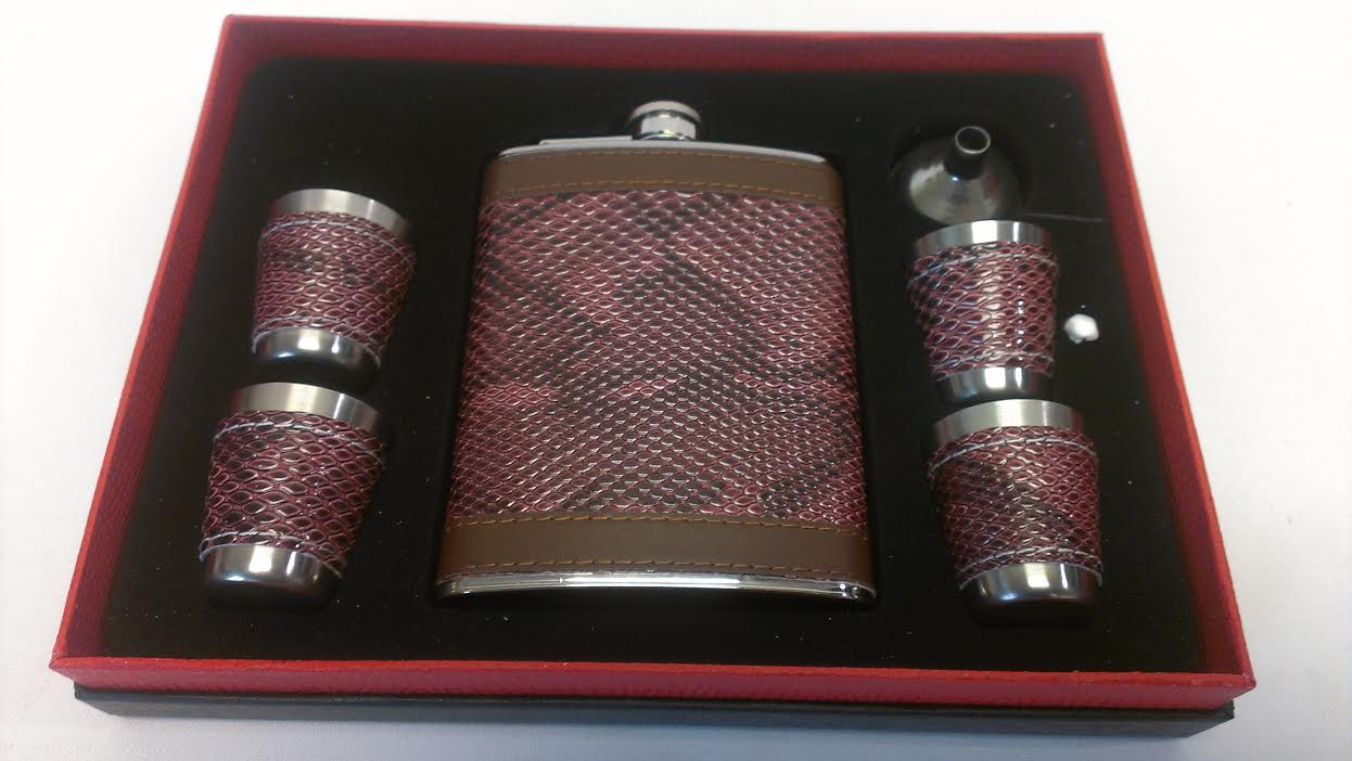 6oz. Flask,4 cups & 1 Funnel Gift set #SET28